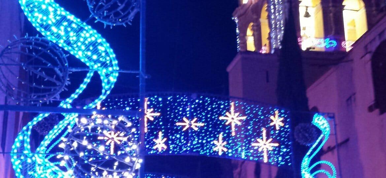 iglesia con diversas luces